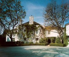 Danny Kaye and his wife, Sylvia Fine Kaye, lived in this wisteria-covered home in Beverly Hills, with neighbors that included Lucille Ball and Desi Arnaz, Jack Benny, and Fred Astaire.