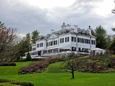 In the Gilded Era, East Coast elite families built summer residences in the Berkshires of Massachusetts. Here are 12 of those estates you can visit today. Historic New England, New England States, Historic Homes, English Interior, Old Mansions, Sims House, Country Farm, Classic House