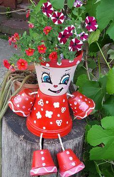 Deco and Mini gardens 'CS' Flower Pot Art, Clay Flower Pots, Flower Pot Crafts, Clay Pot Crafts, Clay Pots, Decorated Flower Pots, Painted Flower Pots, Painted Pots, Flower Pot People