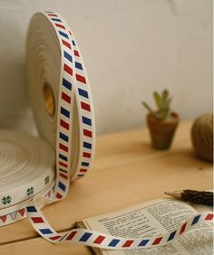 air mail trim. I love all things airmail. They feel so old skool & vintage nowadays.