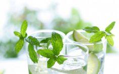 Mojito analcolico - Ecco per voi la ricetta per preparare un favoloso Mojito analcolico, un cocktail facilissimo a base di acqua tonica e lemonsoda, perfetto per l'estate e per chi è astemio!