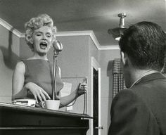 Marilyn during vocal training with her coach Hal Schaefer, 1954. Photo.by John Florea.