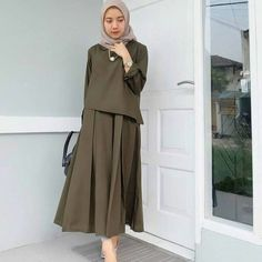 Zaitun Dress  Bahan: Balotelly Ukuran : All size fit to L Warna: Army cream dusty grey millo Harga: Rp 80.000 . . Diskon Rp 3.000 per pcs setiap pembelian minimal 3 pcs apa saja.  For order: WA 082336184361 LINE ashifahijabs (tanpa @) . . #jualbajumulim #gamis #gamismurah #jualgamis #gamissyari #jualgamismurah #bajumurah #jualbajumurah #bajumuslimah #bajumuslimmurah #bajumurah #bajumurahbanget #bajumurahmeriah #bajumurahbandung #resellerbaju #reselllerbajumurah #bajulebaran #jualbajulebaran… Hijab Casual, Hijab Chic, Casual Dresses, Army Clothes, Dress Clothes For Women, Islamic Fashion, Muslim Fashion, Hijab Mode Inspiration, Muslim Long Dress