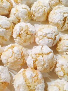 Kokosovo-pomerančové crinkles | pazitka.cz Low Carb Desserts, Low Carb Recipes, Snack Recipes, Healthy Recipes, Low Carb Lunch, Low Carb Breakfast, Easy Homemade Recipes, Sweet Recipes, Low Carb Brasil