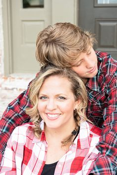 Mother Son Photography, Teenager Photography, Family Photography, Photography Poses, Photography Outfits, Mother Son Pictures, Mother Daughter Poses, Mom Pictures, Family Portrait Poses