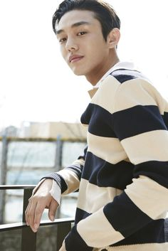 Yoo Ah In is Nominated For Best Actor in The Movie And TV Series At The 52nd Baeksang Arts Awards | Yoo Ah In SikSeekLand Lee Hyun Woo, Lee Jong Suk, My Man, A Good Man, Cleft Chin, Park Bo Gum, Yoo Ah In, Piano Man, Song Hye Kyo