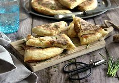 Juditka konyhája: ~ HACSAPURI avagy GRÚZ SAJTOS LEPÉNY ~ French Toast, Bread, Chicken, Breakfast, Food, Morning Coffee, Brot, Essen, Baking