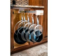 If you are looking for Sensible Diy Kitchen Storage Ideas, You come to the right place. Below are the Sensible Diy Kitchen Storage Ideas. This post about Sensible Diy Kitchen Storage Ideas was posted . Cuisines Diy, Cuisines Design, Pan Storage, Storage Ideas, Diy Rangement, Kitchen Organization, Medicine Organization, Organizing Kitchen Cabinets, Organization Ideas