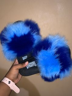 Cute Nike Shoes, Cute Nikes, Awesome Shoes, Cute Outfits With Jeans, Swag Outfits For Girls, Fluffy Shoes, Cute Slippers, Bear Slippers, Fresh Shoes