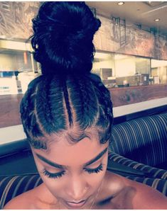 hairstyles middle part hairstyles with weave hairstyles com haircut knoxville hair to do curly hairstyles hairstyles com hairstyles quick weave Baddie Hairstyles, Black Girls Hairstyles, Ponytail Hairstyles, Weave Hairstyles, 1980s Hairstyles, Gorgeous Hairstyles, Hairstyles Videos, Updos, Curly Hair Styles