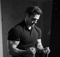 Henry Cavill photographed behind-the-scenes Men's Fitness magazine ( Henry Caville, Love Henry, King Henry, Mens Fitness Magazine, Superman Henry Cavill, Henry Williams, Hollywood Men, Man Of Steel, Fine Men