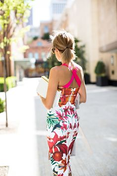 Dress back detail ~ Tropical Fashion . Tropical Fashion, Tropical Dress, Floral Fashion, Colorful Fashion, Retro Fashion, Dress Fashion, Men's Fashion, Hot Pink Dresses, Summer Dresses