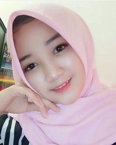 40 Ide Manis Natural Jilbab Cantik Kecantikan Wanita