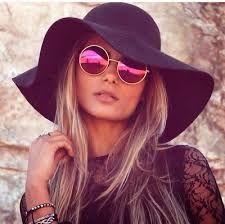Resultado de imagem para looks com chapéu retrô e óculos escuros