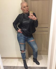 """Polubienia: 128, komentarze: 5 – Agata Siedlik (@agstyls) na Instagramie: """"Lecimy na kolacje 😋miłego wieczoru 😘#supper #fashion #style #leather #my#selfie #instagood…"""""""