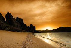 #Oman | Golden Hour on the Beach. credit: Abdulrahman Alhinai. view on Fb https://www.facebook.com/OmanPocketGuide #oman #traveltooman #destination