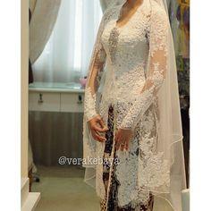 Vera Kebaya, Kebaya Lace, Batik Kebaya, Kebaya Dress, Kebaya Brokat, Short Wedding Gowns, Hijab Wedding Dresses, Dream Wedding Dresses, Bridal Dresses