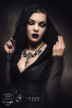 Dark Gothic, Victorian Gothic, Gothic Art, Victorian Dresses, Gothic Steampunk, Steampunk Clothing, Gothic Lolita, Goth Beauty, Dark Beauty