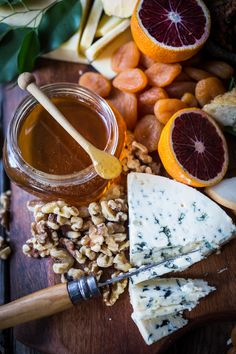 Delicious homemade Blood Orange Marmalade is very simple to make and SO tasty on a Winter Cheese Board. Antipasto, Beer Cheese Fondue, Charcuterie And Cheese Board, Cheese Boards, Mini Appetizers, Crowd Appetizers, Appetizer Ideas, Best Cheese, Fancy Cheese