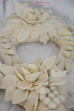 Quick Bread, How To Make Bread, Christmas Bread, Bread Art, Pie In The Sky, Fondant Bow, Tasty Videos, Pastry Art, Pie Crust Recipes