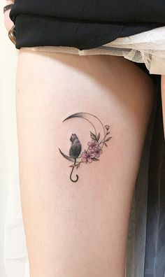 Witch Tattoo Designs To Embrace Your Dark Side Cat tattoo – Fashion Tattoos Bild Tattoos, Body Art Tattoos, Small Tattoos, Thigh Tattoos, Tatoos, Cute Cat Tattoo, Simple Cat Tattoo, Cat Outline Tattoo, Thigh Tattoo Simple