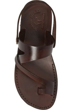 Sandals for men´s original. diferent fashion cool from around the world Shoes For Leggings, Derby, Tan Leather Sandals, Sandals Outfit, Men's Sandals, Fashion Shoes, Mens Fashion, Custom Shoes, Summer Shoes
