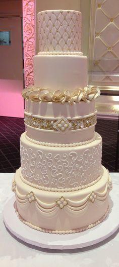 Gorgeous Wedding Cake Fresh Flowers Combo You Will Love – Bridezilla Flowers Elegant Wedding Cakes, Beautiful Wedding Cakes, Wedding Cake Designs, Beautiful Cakes, Big Cakes, Fancy Cakes, Cupcakes, Cupcake Cakes, Bolo Grande