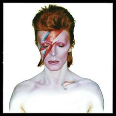 Famous portrait - Aladdin Sane, 1973 - David Bowie by Brian Duffy