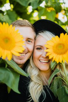 Sunflower Patch, Sunflower Fields, Sunflower Field Pictures, Sunflower Field Photography, Prenup Photos Ideas, Couple Photography Poses, Picture Poses, Photo Sessions, Photoshoot