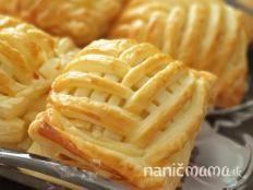 Jablkovo mandľový šatôčok - recept Apple Pie, Desserts, Food, Tailgate Desserts, Apple Cobbler, Deserts, Eten, Postres, Dessert