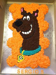 Scooby doo cupcake cake