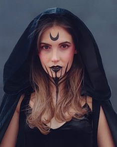 Simple Witch Makeup, Pretty Witch Makeup, Scary Makeup, Halloween Makeup Witch, Halloween Makeup Looks, Halloween Make Up, Demon Halloween Costume, Viking Makeup, Maquillage Halloween Simple