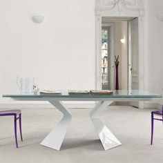 15 Exquisite Tables Perfect For All Types of Diners