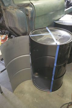 Mike Harrington shows you how to build a backyard barbeque grill using a 55 gallon drum and other basic steel parts - Super Chevy Magazine Barrel Fire Pit, Barrel Stove, Barrel Grill, Oil Barrel, Metal Barrel, 55 Gallon Drum Smoker, Oil Drum Bbq, Drum Seat, Mini Bar