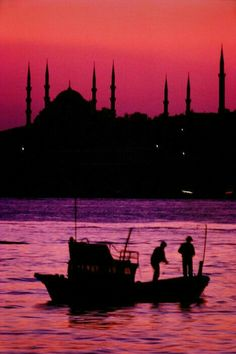 Istanbul, Turkey, at sunset ~ Ara Güler photographer - wanderlust The Places Youll Go, Places To See, Wonderful Places, Beautiful Places, Beautiful Pictures, Sainte Sophie, Fotojournalismus, Beautiful World, Wonders Of The World