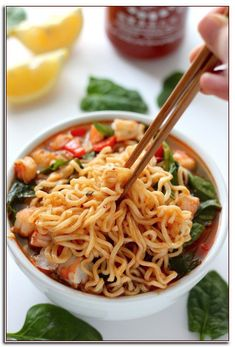 Sriracha Shrimp Ramen Sriracha Shrimp Ramen Noodle Soup - SO flavorful, filling, and ready in 20 minutes! We LOVE Sriracha Shrimp Ramen Noodle Soup - SO flavorful, filling, and ready in 20 minutes! Ramen Noodle Recipes, Ramen Noodles, Noodle Soup, Noodle Salad, Healthy Ramen, Healthy Food, Salad Recipes, Healthy Recipes, Pasta Recipes