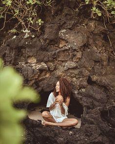 Sina the island princess haha @islandthrift @sinajalloh #Cave #love'n by ellemayleckenby