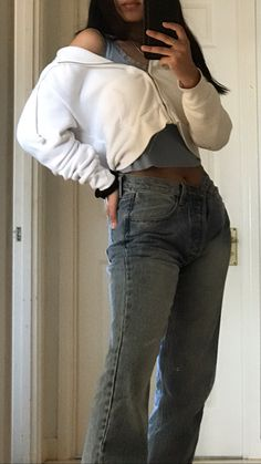 Grunge Look, Grunge Style, 90s Grunge, Soft Grunge, Grunge Outfits, Cropped Hoodie Outfit, Jeans And Hoodie, Crop Top Hoodie, Brandy Melville Outfits