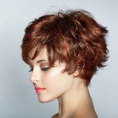 Dalgalı Saçlar İçin Kısa Kesim Modeller - 50'den Sonra Hayat