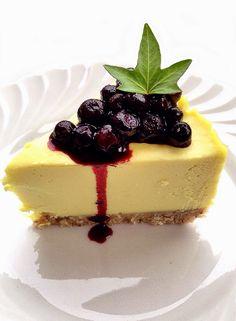 THE UNCOOKED VEGAN KITCHEN: Raw Lemon Cheesecake