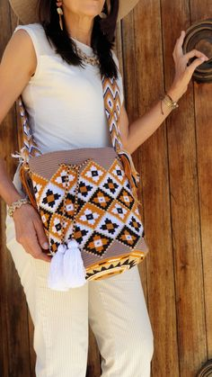 Tapestry Crochet, Knit Crochet, My Bags, Purses And Bags, Contemporary Embroidery, Boho Bags, Women Empowerment, Bag Making, Macrame
