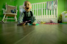 Movimento e giochi motori in casa per bambini da 0 a 5 anni Baby Momma, Baby Love, Teach Baby To Crawl, 2 Year Old Sleep, Diy Pour Enfants, Baby Playpen, Baby Bassinet, Toddler Behavior, Crawling Baby