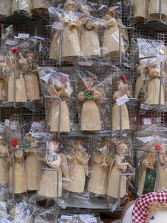 Cornhusk dolls. Easter Market, Bratislava, Slovakia Corn Husk Crafts, Corn Husk Dolls, Continental Europe, Christmas Craft Projects, Heart Of Europe, Holiday Market, Egg Art, Roots, Gift Wrapping