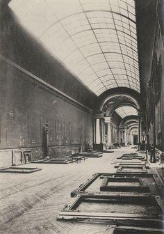 Aspecto del museo del Louvre durante la Segunda Guerra Mundial