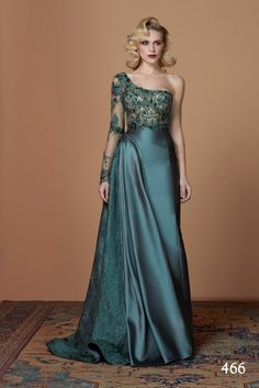 The FashionBrides is the largest online directory dedicated to bridal designers and wedding gowns. Find the gown you always dreamed for a fairy tale wedding. Gala Dresses, Event Dresses, Formal Dresses, Haute Couture Dresses, Dress Clothes For Women, Designer Gowns, Beautiful Gowns, The Dress, Traditional Dresses