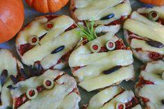 YUMMY MUMMY MINI PIZZAS Halloween snack recipe