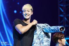 (HQ)2014.06.29  'Inspiring Generation' FM in Beijing cr:_阿阿阿树 (2) pic.twitter.com/a6tO4e4RaV