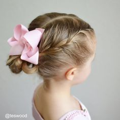 "253 Likes, 15 Comments - Tessi | Q's Hairdos (@teswood) on Instagram: ""Tutorial! • Three 5 Minute Elastic Styles #qshairdos #qstuesdaytutorials These styles are a few of…"""