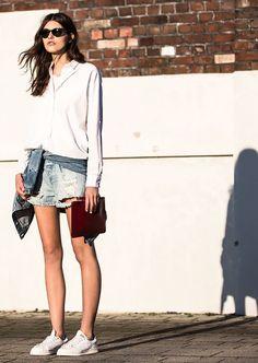-When i die i want to go to Vogue- :) Fashion Niños, Yoga Fashion, Minimal Fashion, Denim Fashion, Urban Fashion, Fashion Pants, Estilo Denim, Vogue, Athleisure Outfits