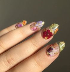 Over 50 Bright Summer Nail Art Designs That Will Be So Trendy All Season - 54 The Brightest Spring 2020 Nail Trends That Are SO Popular Right Now Cute Nails, Pretty Nails, Gorgeous Nails, Hair And Nails, My Nails, Oval Nails, Nail Art Designs, Nail Design Glitter, Uñas Diy